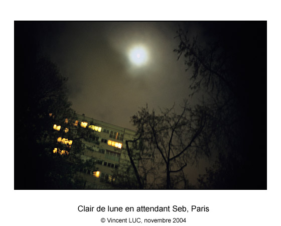 Galerie Photo : Tete en l'air : Clair de lune en attendant Seb, Vanves, Photo couleur � Vincent LUC